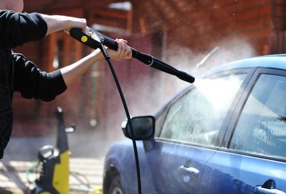 pressure washer car