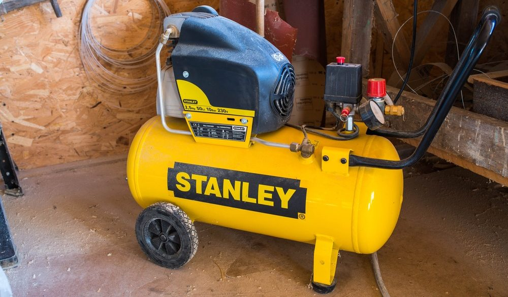 10 Best 20 Gallon Air Compressors in 2021