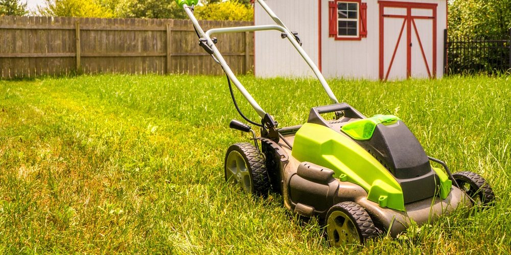 10 Best Battery Powered Lawn Mowers in 2021