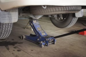 best floor jack for trucks