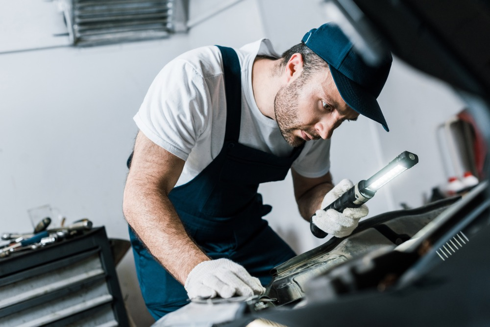 10 Best Mechanic Flashlights in 2021